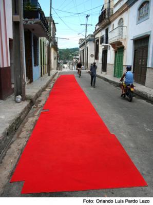 20110110094805-alfombra-roja-a-la-nada.jpg