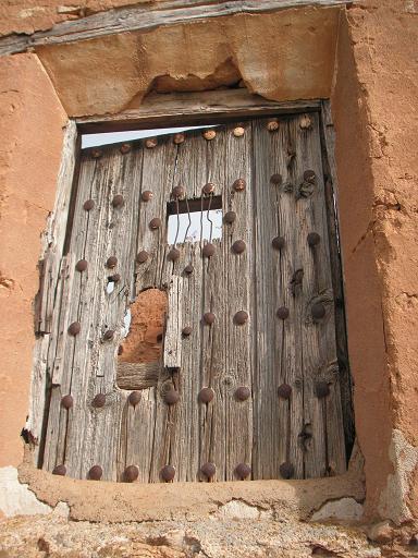 20110406095002-llechon-ventana.jpg
