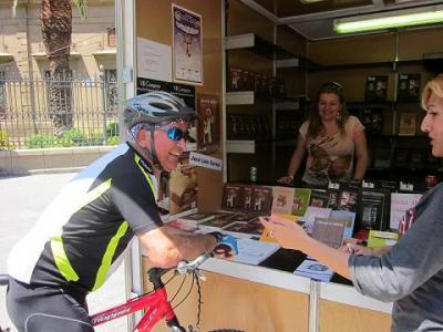 20110530112042-mariano-a-la-feria-en-bici.jpg