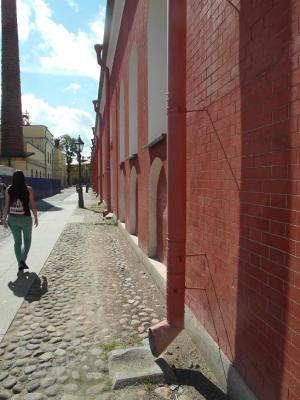 20120729213553-turista-en-la-fortasleza.jpg
