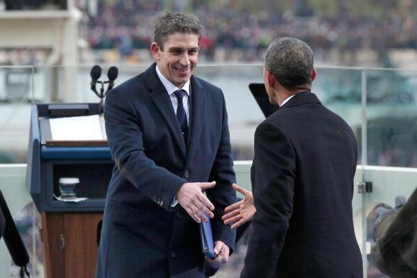 20130122200331-richard-blanco-greets-president-obama.jpg